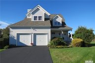 18 Spinnaker Ct East Patchogue NY, 11772