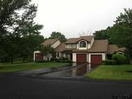 80 Surrey Hill Dr Colonie NY, 12110