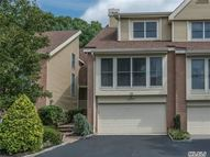 18 Willow Ridge Dr Smithtown NY, 11787