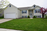 323 Stonefield Dr Lake Mills WI, 53551