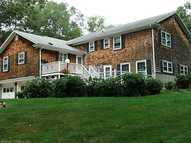 2 Hickory Lane Pawcatuck CT, 06379
