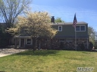 30 Squirrel Ln Levittown NY, 11756