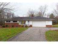 12480 Valley View Dr Chesterland OH, 44026