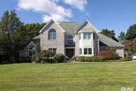 27 Deepwells Ln Saint James NY, 11780