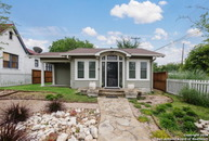 500 Queen Anne Ct San Antonio TX, 78209
