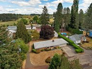 3027 Raymond St Forest Grove OR, 97116