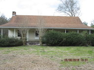 31 Vick Smith Ln Moselle MS, 39459
