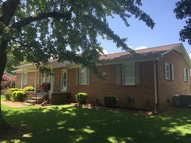 833 Parkway Dr Smithville TN, 37166