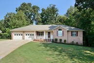 425 Wright Dr Florence AL, 35633