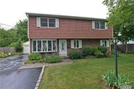 1524 N Thompson Dr Bay Shore NY, 11706