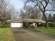 1477 Meadowlawn Dr Macedonia OH, 44056