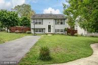 207 Knoll Court Pasadena MD, 21122