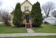 503 N 8th St Estherville IA, 51334
