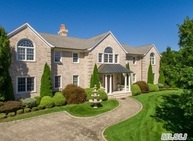 148 Chardonnay Dr East Quogue NY, 11942
