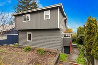 6330 40th Ave Sw Seattle WA, 98136