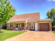 904 Nw 9th Street Moore OK, 73160