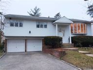 597 Michelle Pl Valley Stream NY, 11581