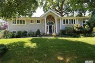 48 Sugar Maple Ln Glen Cove NY, 11542