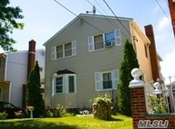 405 Brown Pl New Hyde Park NY, 11040