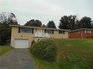 107 Cathy Dr. Wintersville OH, 43952