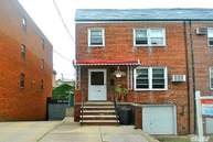 61-28 170th St Fresh Meadows NY, 11365