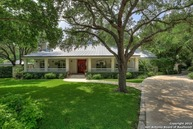 610 Bluff Cliff Dr San Antonio TX, 78216