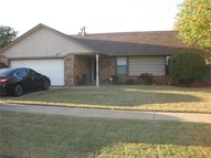 617 Ne 15th Street Moore OK, 73160