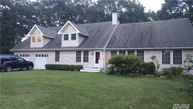 6 Pepperidge Ct Patchogue NY, 11772