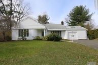 11 Midland Rd Roslyn Heights NY, 11577
