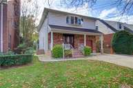 72 Willow St Floral Park NY, 11001