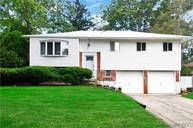 21 Parnell Dr Smithtown NY, 11787