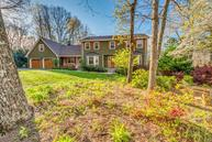 57 Whispering Pines Dr Signal Mountain TN, 37377