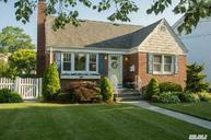 675 6th Pl Garden City South NY, 11530