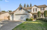 3136 South Peppertree Court Visalia CA, 93277