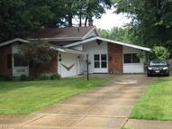 24028 Fairlawn Dr North Olmsted OH, 44070