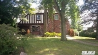 22 Rolling Hill Rd Manhasset NY, 11030