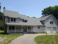 1537 Wooded Acres Dr Stroudsburg PA, 18360