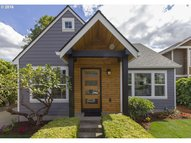3596 Se Caruthers St Portland OR, 97214