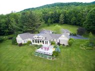 395 Red Tail Ln Dorset VT, 05251