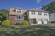 17 Canterbury Dr Scotch Plains NJ, 07076