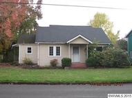 988 E Lincoln St Woodburn OR, 97071