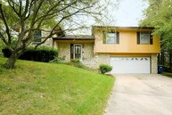 2313 Independence Ct Jefferson City MO, 65109
