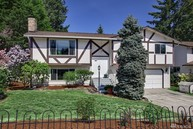 29 Meadow Place Se Everett WA, 98208