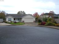 1212 Independence Ct Woodburn OR, 97071