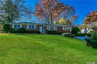 29 Farm Ln Great Neck NY, 11020