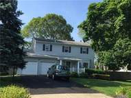 4 Richard Ct East Patchogue NY, 11772
