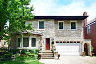 6765 N Ionia Ave Chicago IL, 60646