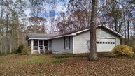 160 Hickory Circle West Point GA, 31833