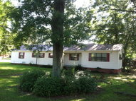 220 Welcome Street Taylorsville MS, 39168