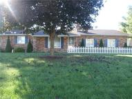 747 Greenwood Dr Canal Fulton OH, 44614